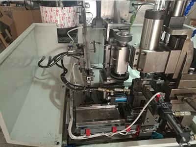 德科精机定制铣扁机钻孔机,钻孔铣扁二次加工机床